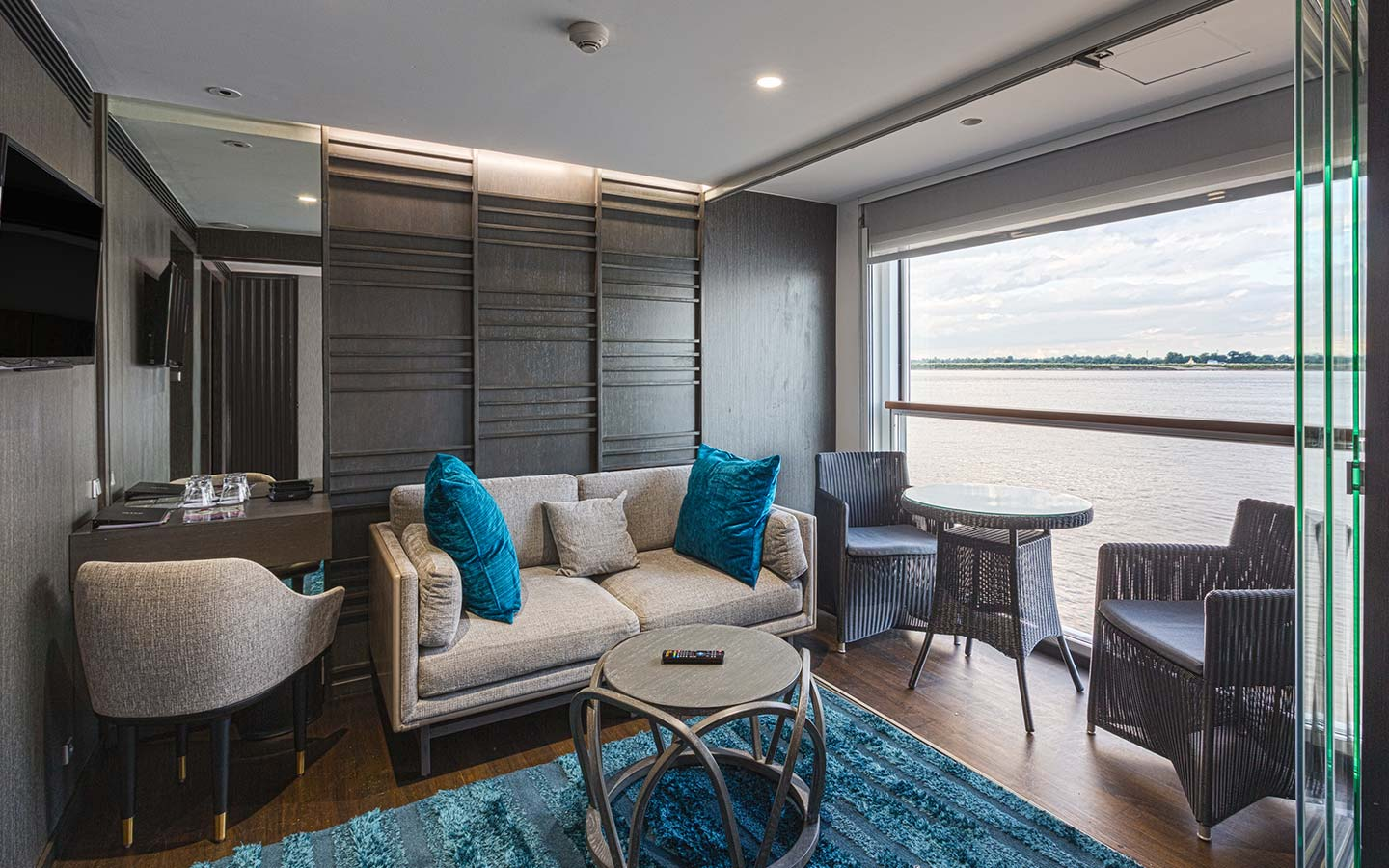 The scenic aura our river cruise ships in asia scenic tours jewel deck baanklon Choice Image